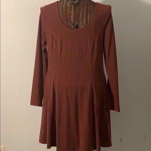 Max Studio long sleeve maroon dress